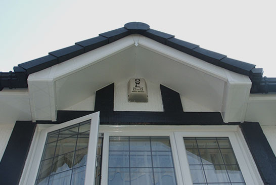 Photo of a Roofline